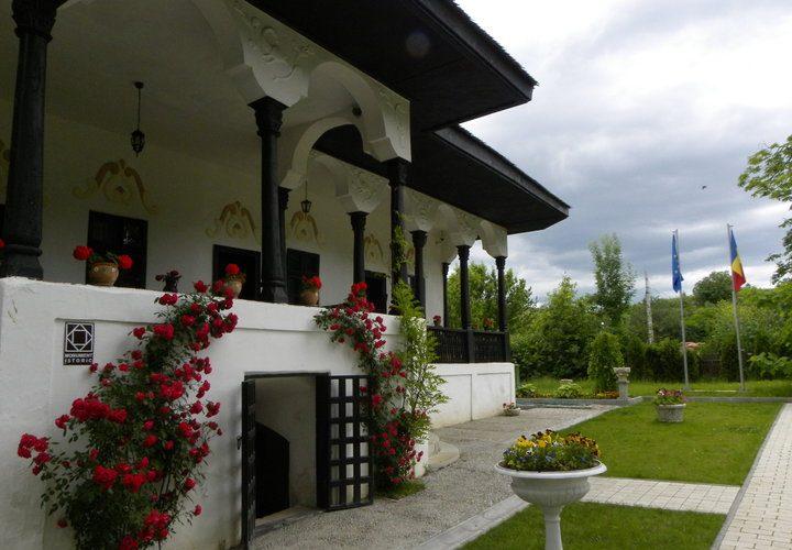 conace si case boieresti din Romania